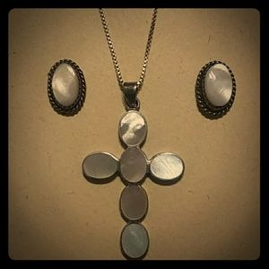 Vintage Mother of Pearl 2 piece Jewelry Set